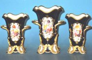 Garniture of 4 footed vases